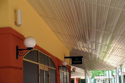 CVGaudio система трансляции фоновой музыки и речевых сообщений в торговом комплексе нового формата - Внуково Аутлет Виладж