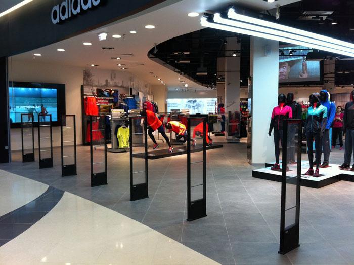 Самый большой в мире магазин компании ADIDAS Group - ADIDAS Brand Center. Разработа, проектирование и поставка систем аудио-видео трансляции - компании CVGaudio