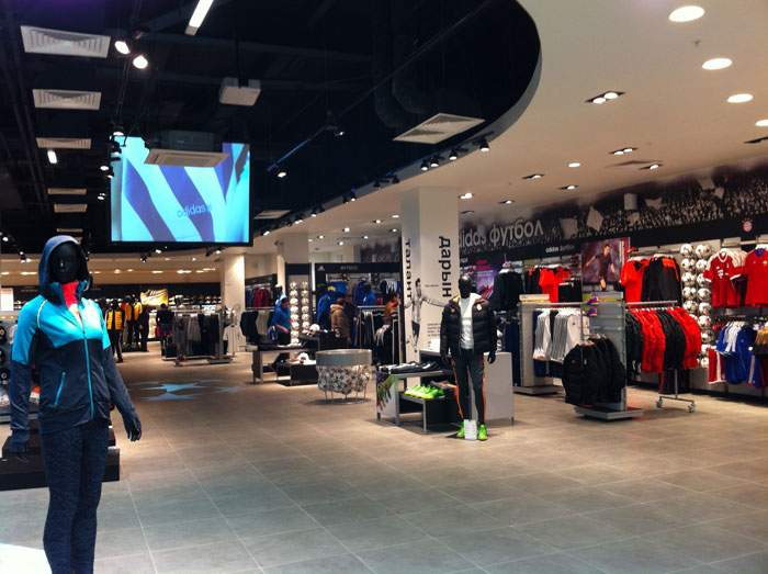Самый большой в мире магазин компании ADIDAS Group - ADIDAS Brand Center. Разработка, проектирование и поставка систем аудио-видео трансляции - компании CVGaudio